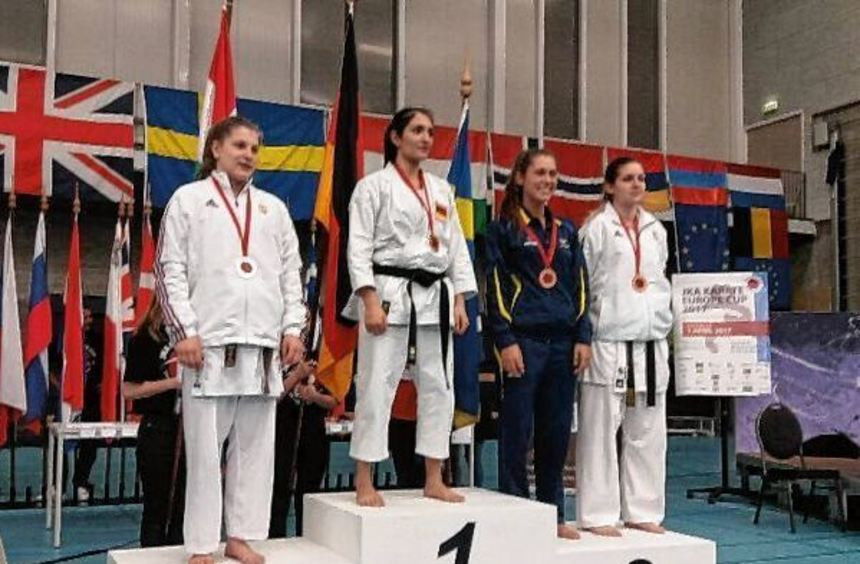Titel Im Handwerk Kreuzworträtsel  Eblina Kelmendi holt Goldmedaille Südhessen Morgen