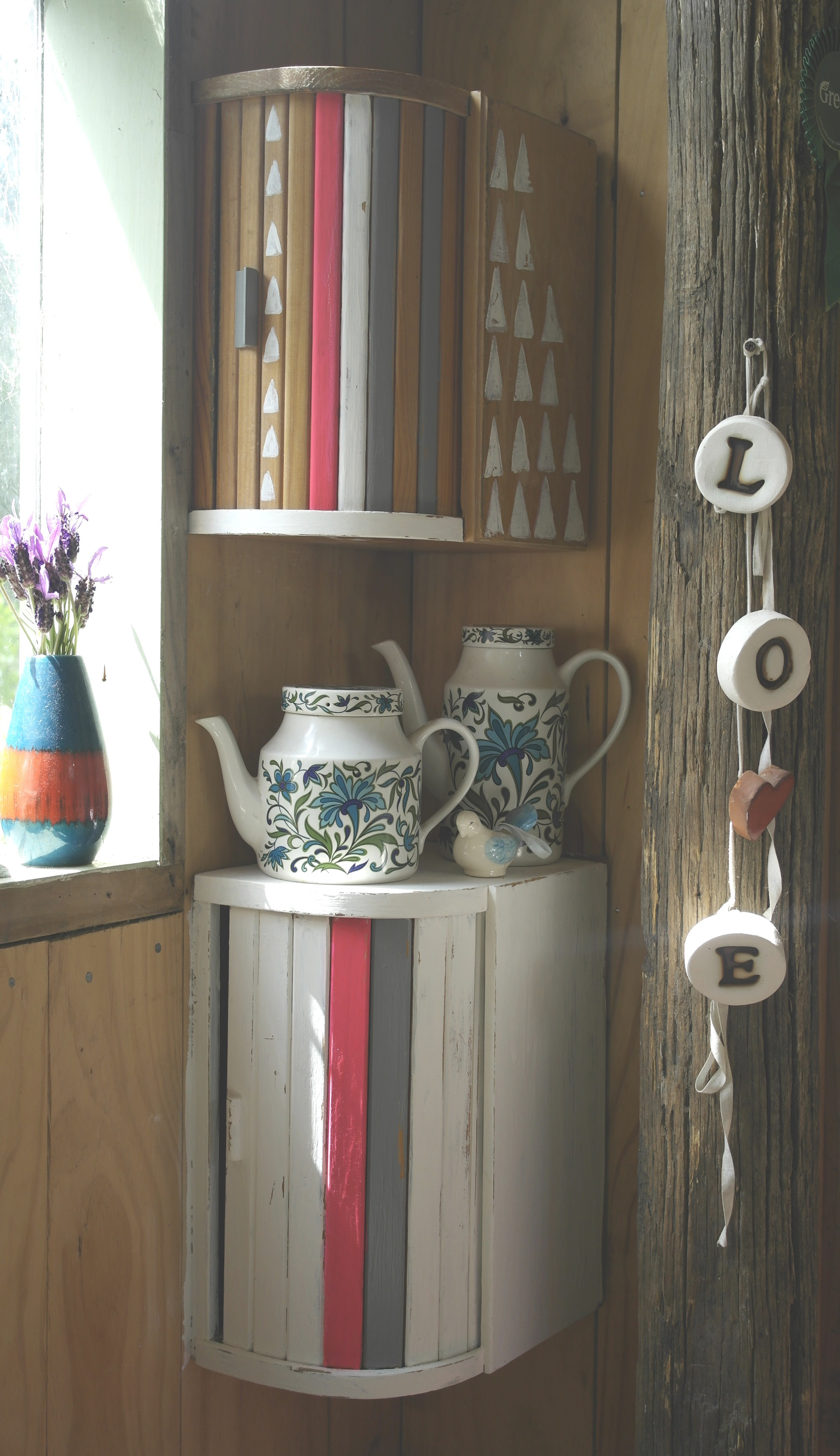 Upcycling Diy  You won t BELIEVE what she upcycled this breadbin into