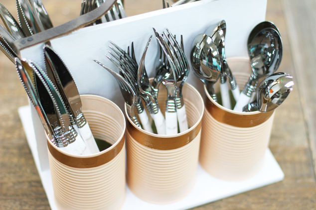 Upcycling Diy  Repurposed Soup Cans to DIY Kitchen Caddy