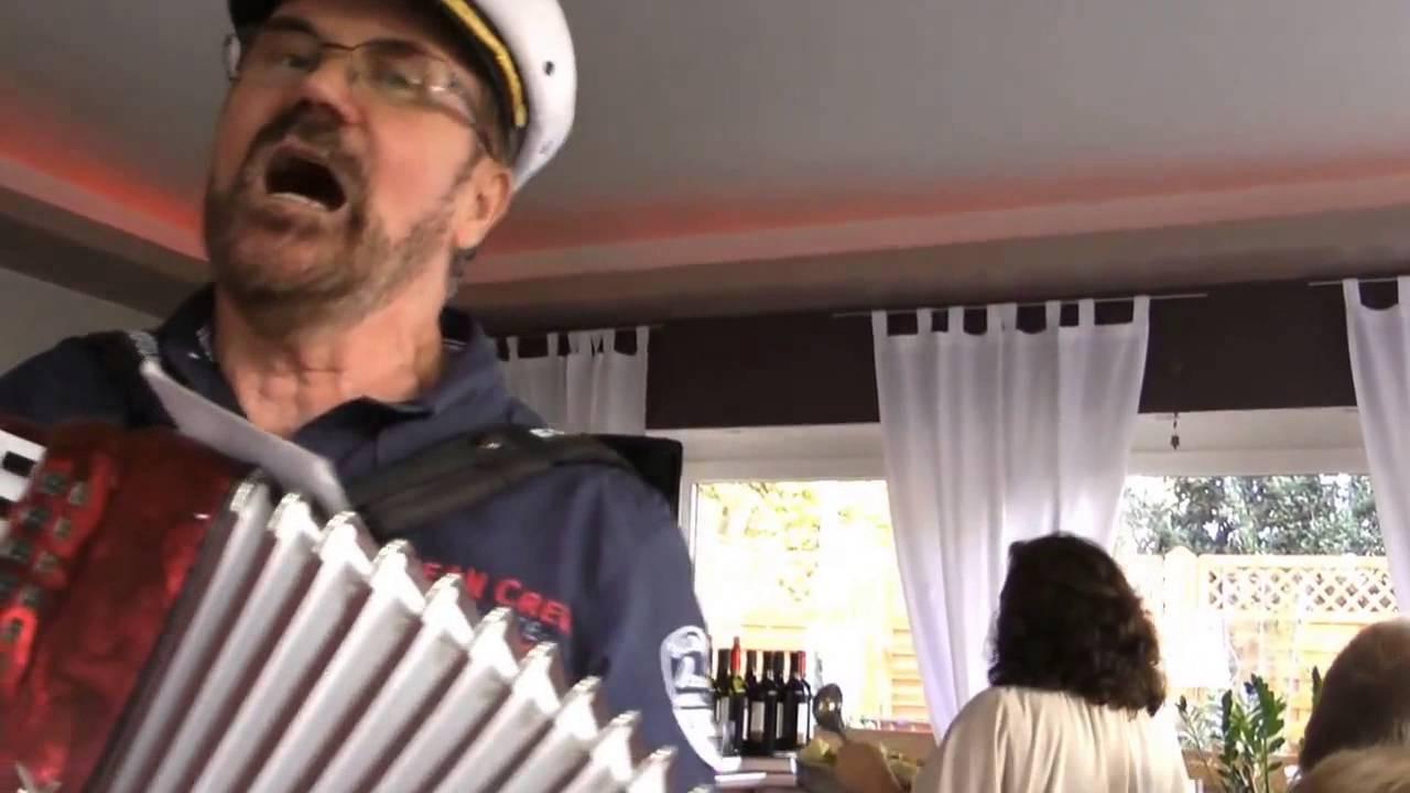 Alleinunterhalter Geburtstagsfeier  Käptn Franz singt Seemannslieder Mülheim Geburtstagsfeier