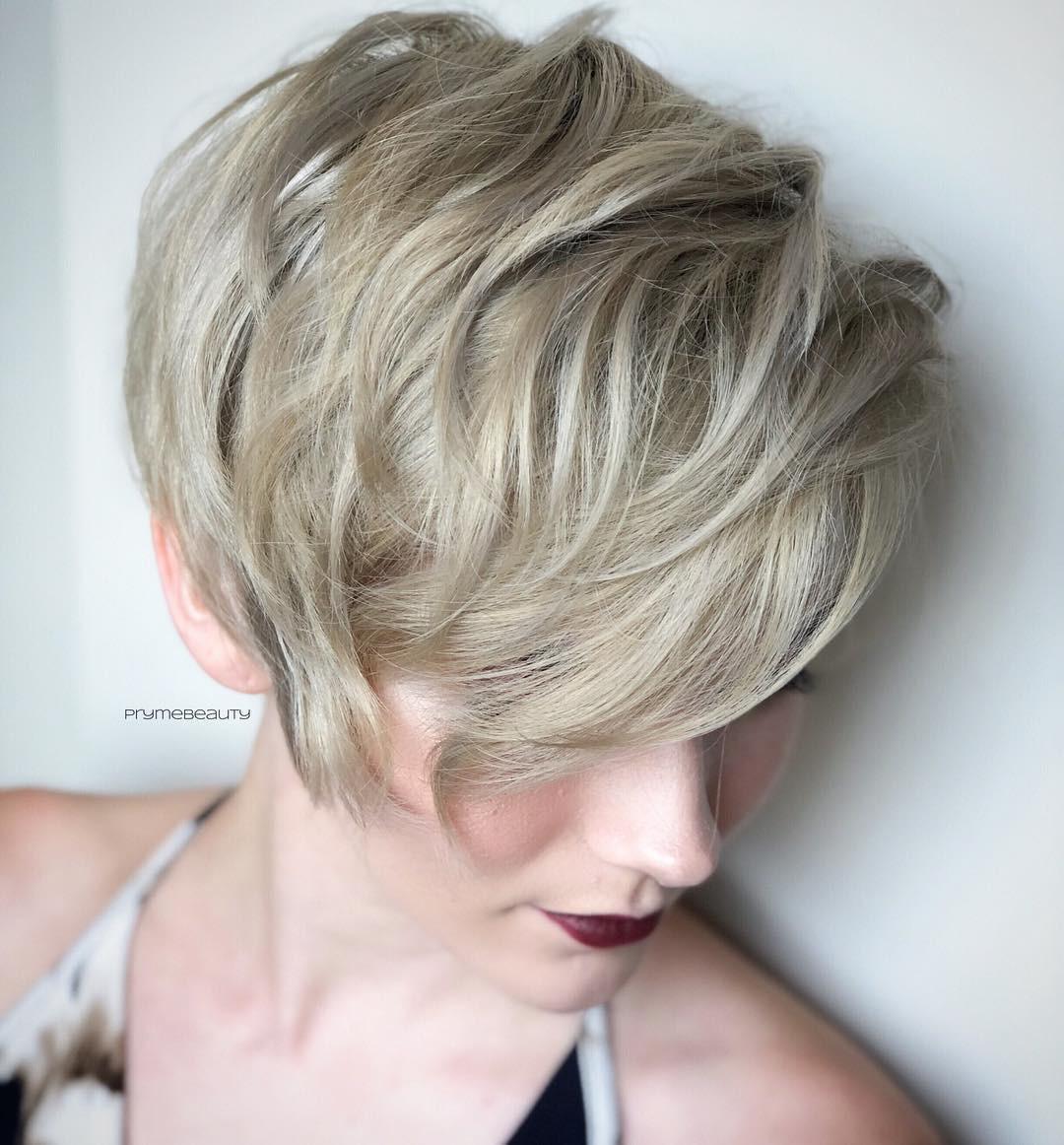 Asymmetrische Frisuren 2019  Schick Asymmetrische Frisuren 2019 Zum Haarfrisuren