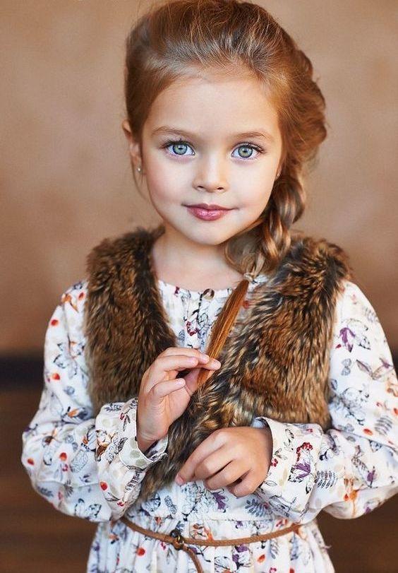 Baby Frisuren Mädchen  Die besten 25 Frisuren für kleine Mädchen Ideen auf