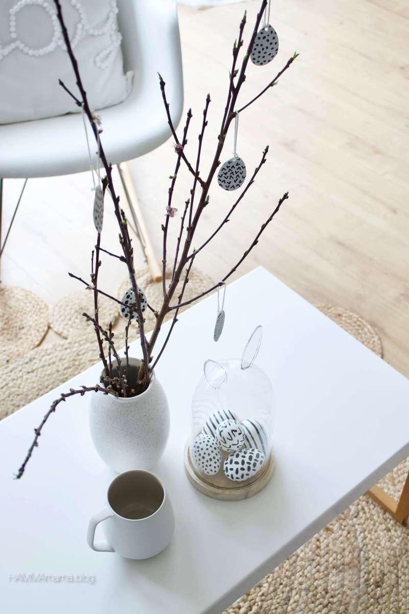 Blumentopf Aufhängen Diy  DIY Ostereier zum Aufhängen ° Skandinavische Deko für