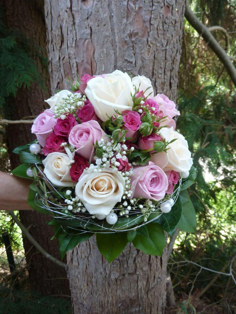 Brautstrauß 2019  Wunderschön Ein Traum Von Brautstrauß Rosa weiß Mit
