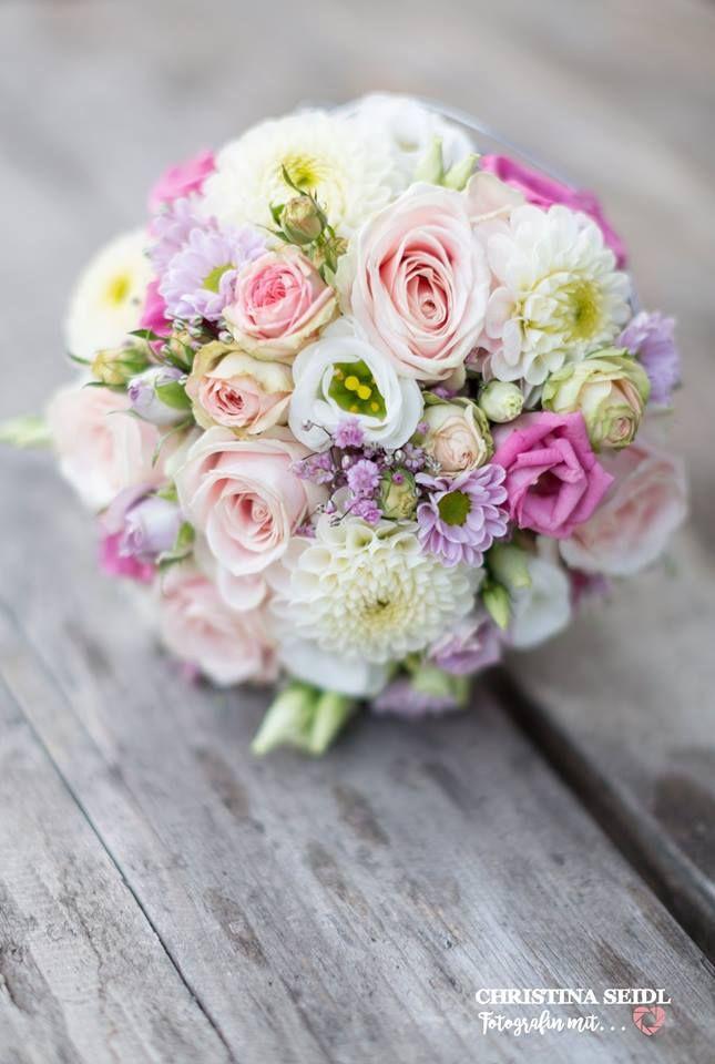 Brautstrauß 2019  Vintage Brautstrauß mit Dahlen Lisianthus rosa Rosen
