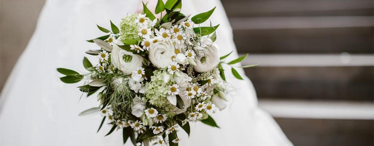 Brautstrauß 2019  brautstrauß blumendekorationen zur Hochzeit brautstrauß