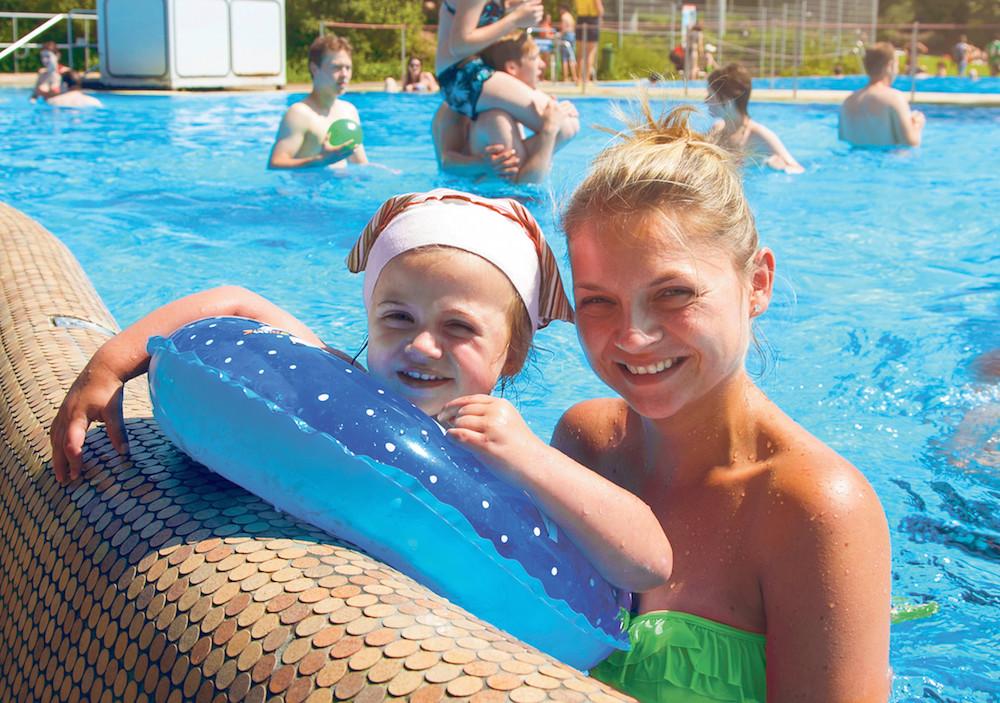 California Schwimmbad Leverkusen  CaLevornia Schwimmbad inkl Sauna National Express