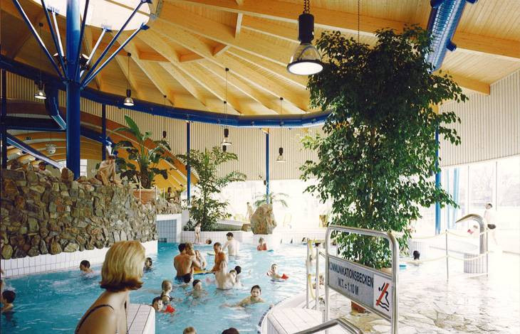 California Schwimmbad Leverkusen  Schwimmbad Leverkusen leverkusen calevornia panoramio