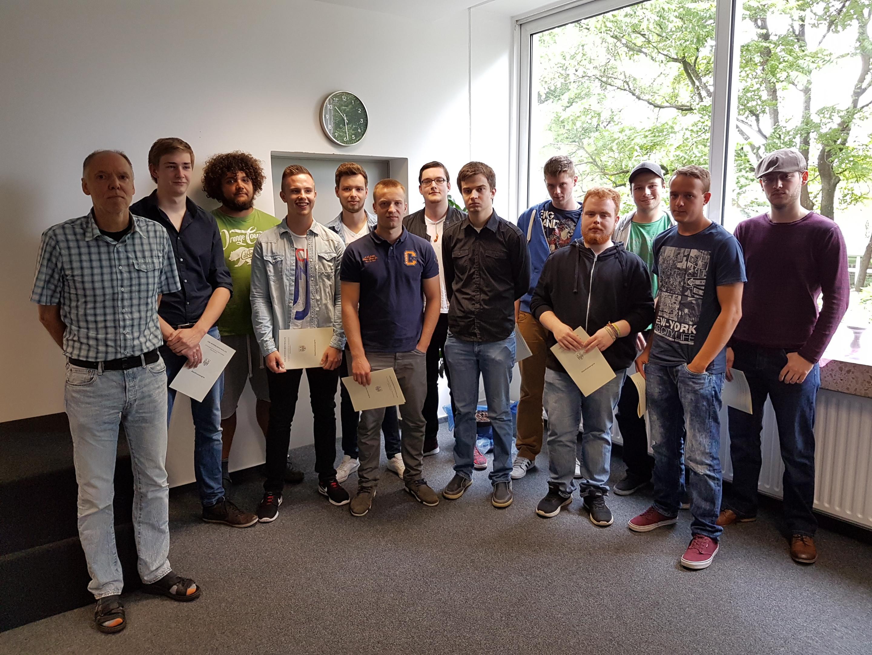 Carl Severing Berufskolleg Für Handwerk Und Technik  Feierliche Verabschiedung der FHR Absolventen Carl