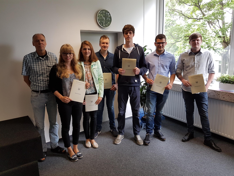 Carl Severing Berufskolleg Handwerk Und Technik  Feierliche Verabschiedung der FHR Absolventen Carl