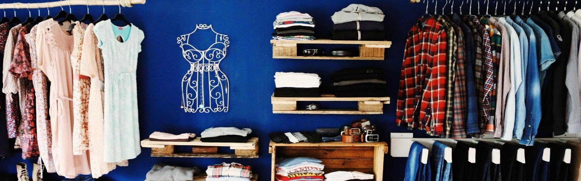 Diy Begehbarer Kleiderschrank  Begehbarer Kleiderschrank Schranksystem Wand DIY Saris