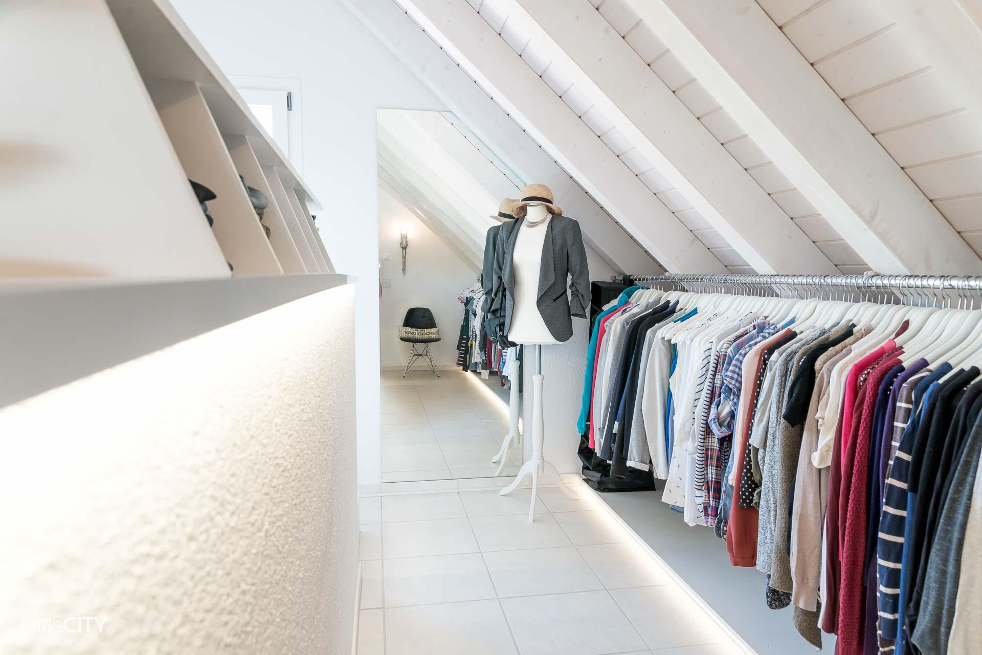 Diy Begehbarer Kleiderschrank  Selbstgebauter begehbarer Kleiderschrank