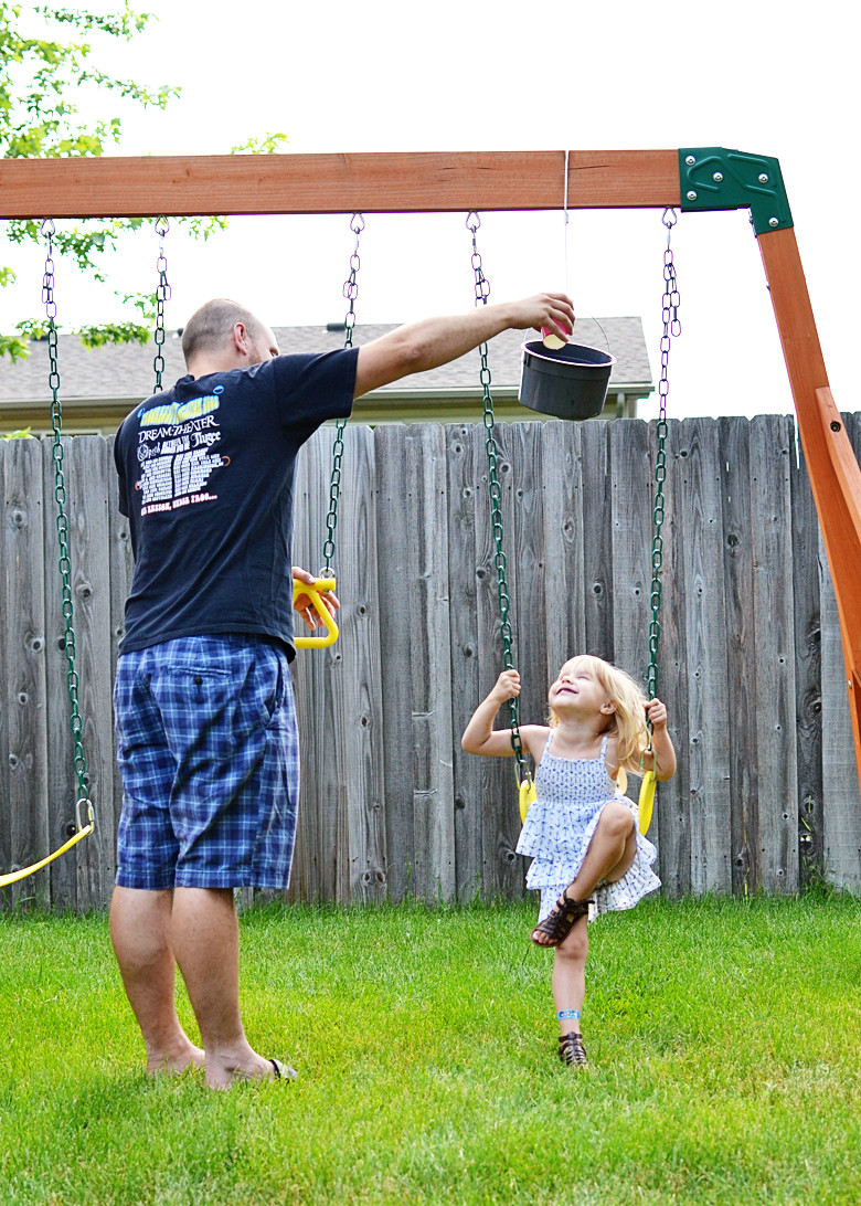 """Diy Community  Summer DIY """"Don t Spill the Bucket"""" Game [TUTORIAL]"""