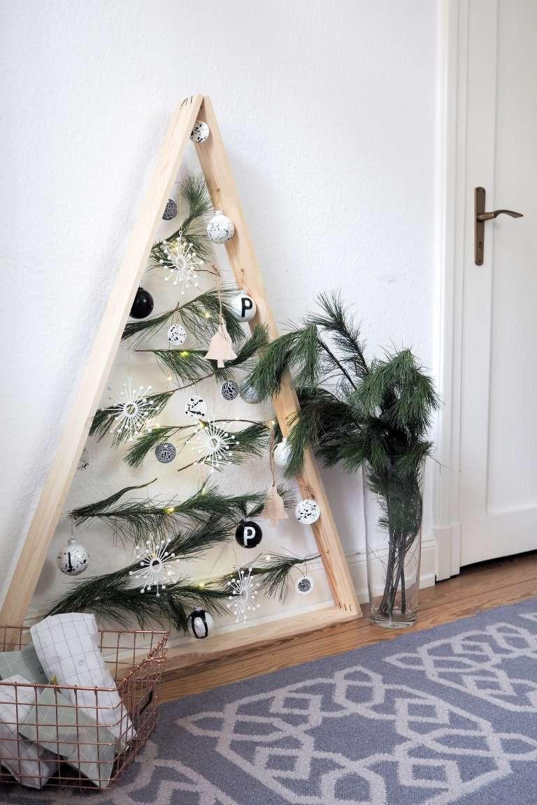 Diy Holz Deko  DIY Weihnachtsbaum aus Holz
