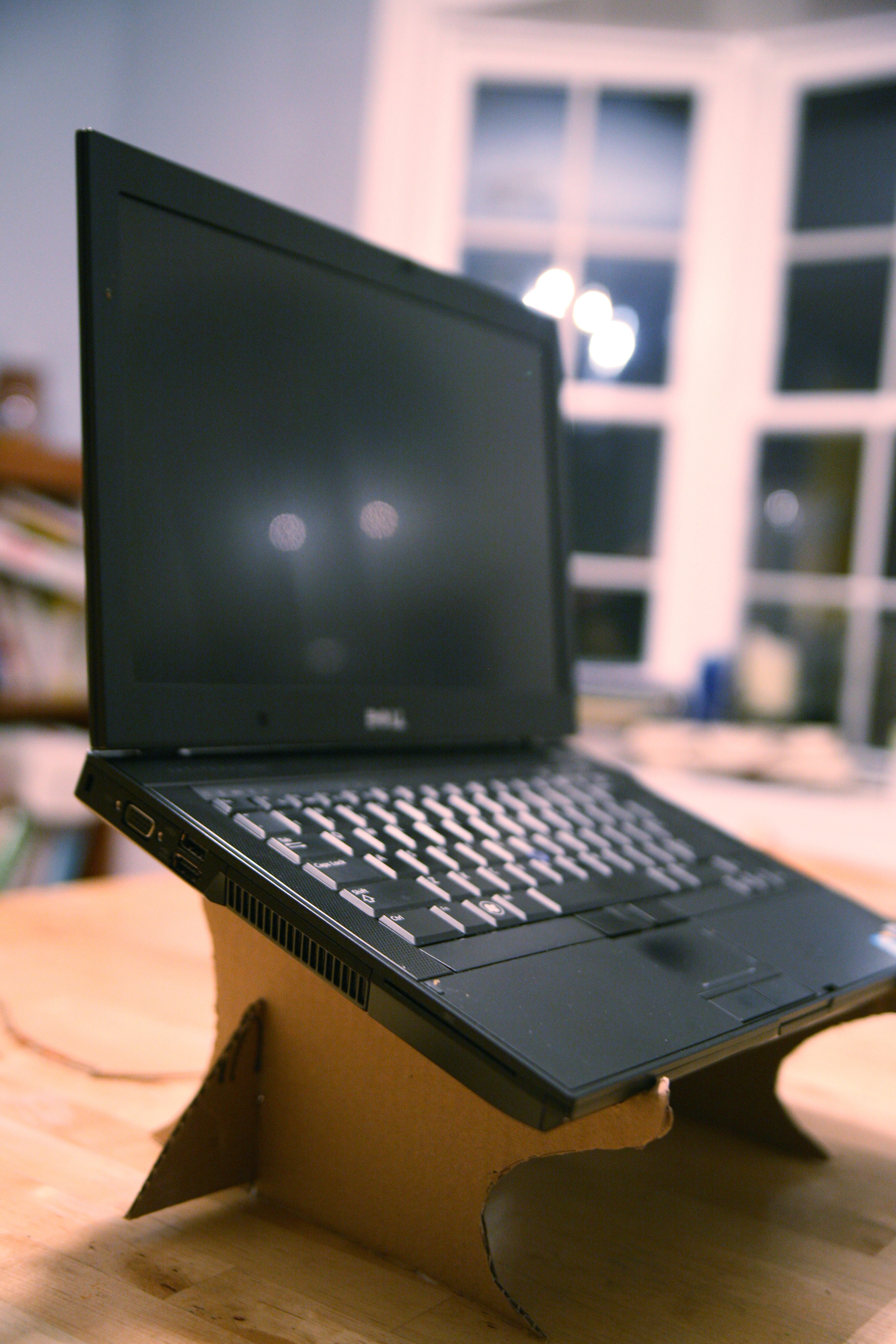 Diy Laptop  DIY recycled Cardboard Laptop Stand