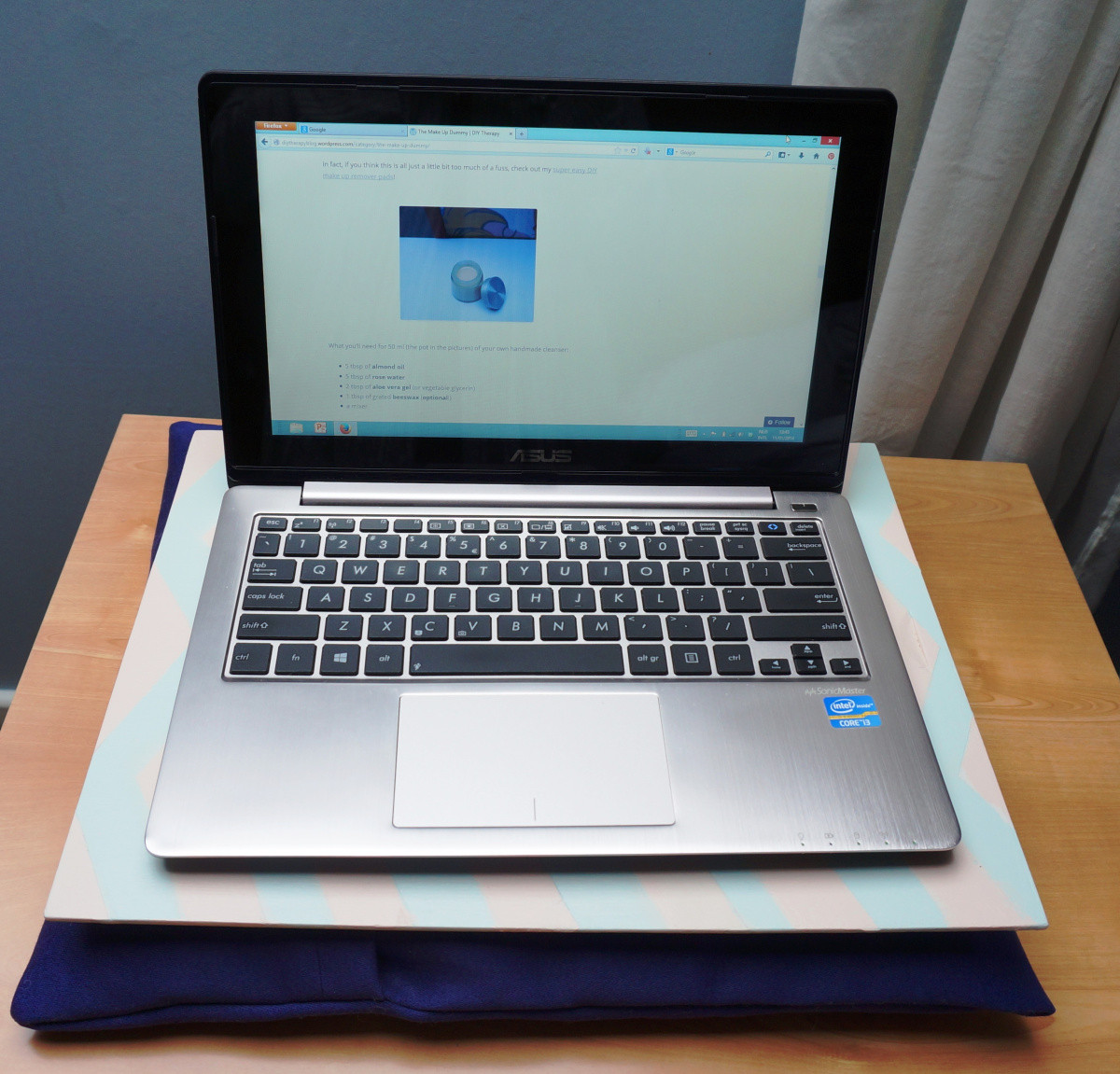 Diy Laptop  Keep your laptop and legs fy – Easy DIY Laptop Tray