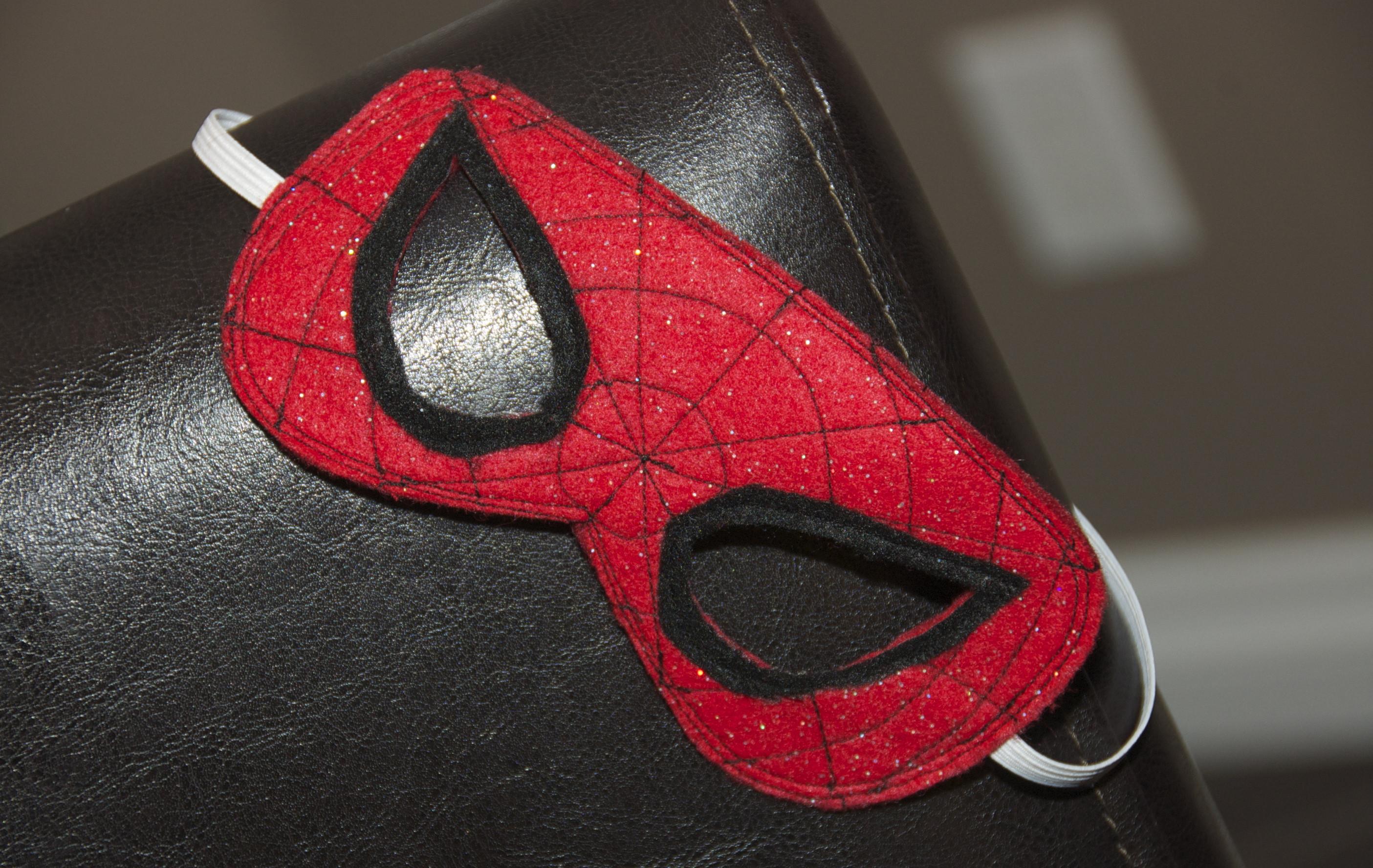 Diy Maske  DIY Spiderman Mask