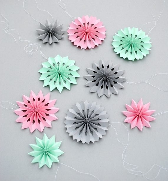Diy Papier  DIY jolies rosaces en papier
