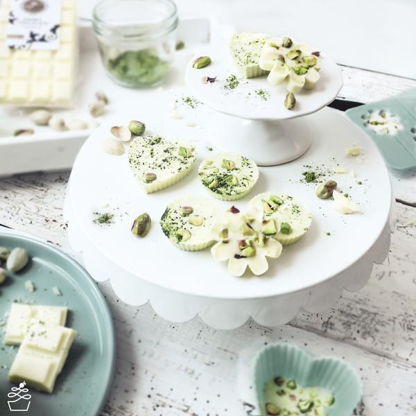 Diy Pralinen  DIY Pralinen mit Matcha & Pistazien Sweet Kitcen