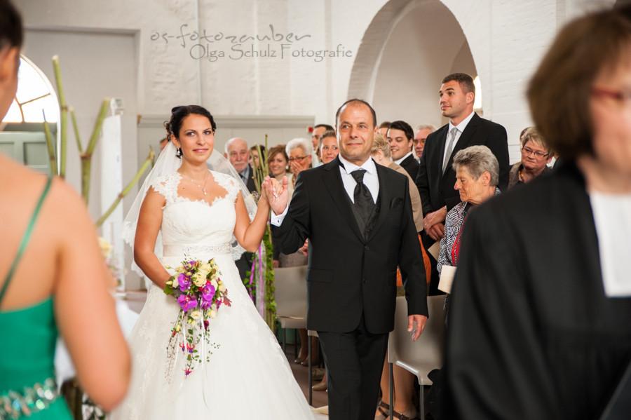 Hochzeit Kirche Einzug