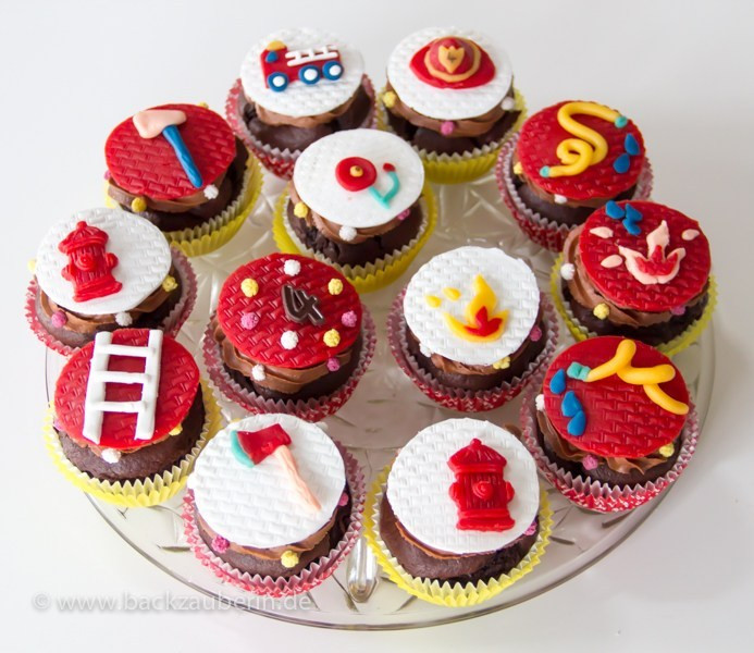 Feuerwehr Kuchen  Feuerwehr Cupcakes