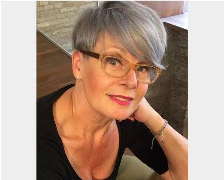 Frisuren Ab 50 Mit Brille  Die besten 25 Frisuren ab 50 mit brille Ideen auf