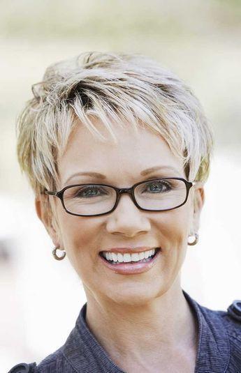 Frisuren Ab 50 Mit Brille  Die besten 25 Frisuren frauen ab 50 mit brille Ideen auf