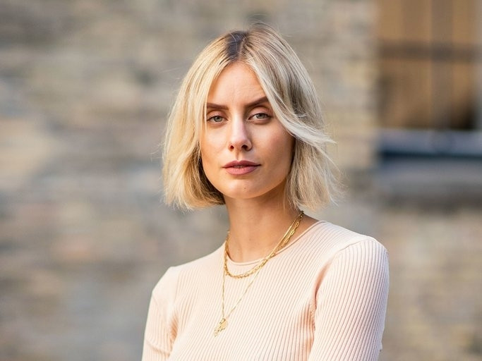 Frisuren Frauen Mittellang 2019  Frisuren Frau Mittellang