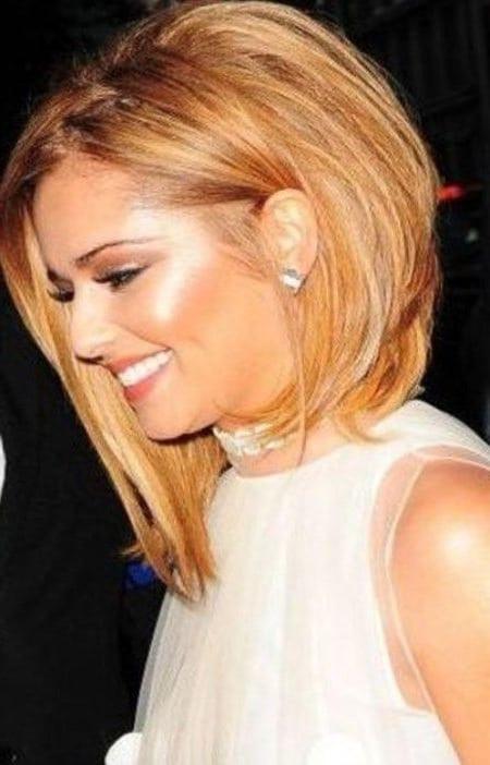 Frisuren Frauen Mittellang 2019  Frisuren für mittellange Haare Trend Stufenschnitt für