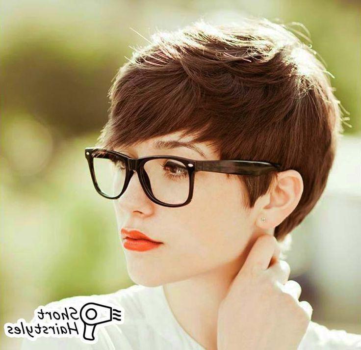 Beste 20 Frisuren Fur Brillentrager Beste Wohnkultur Bastelideen