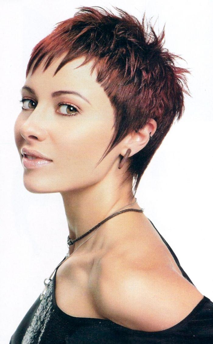 Frisuren Für Kurzes Haar  Kurze Weibliche Frisuren Für Lockiges Haar