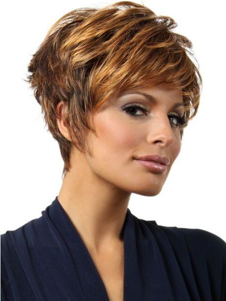 Frisuren Für Mollige 2019  Kurze Frisuren für dickes Haar und rundes Gesicht