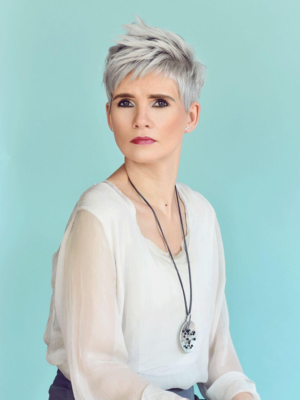 Frisuren Grau  Graue Damenfrisuren