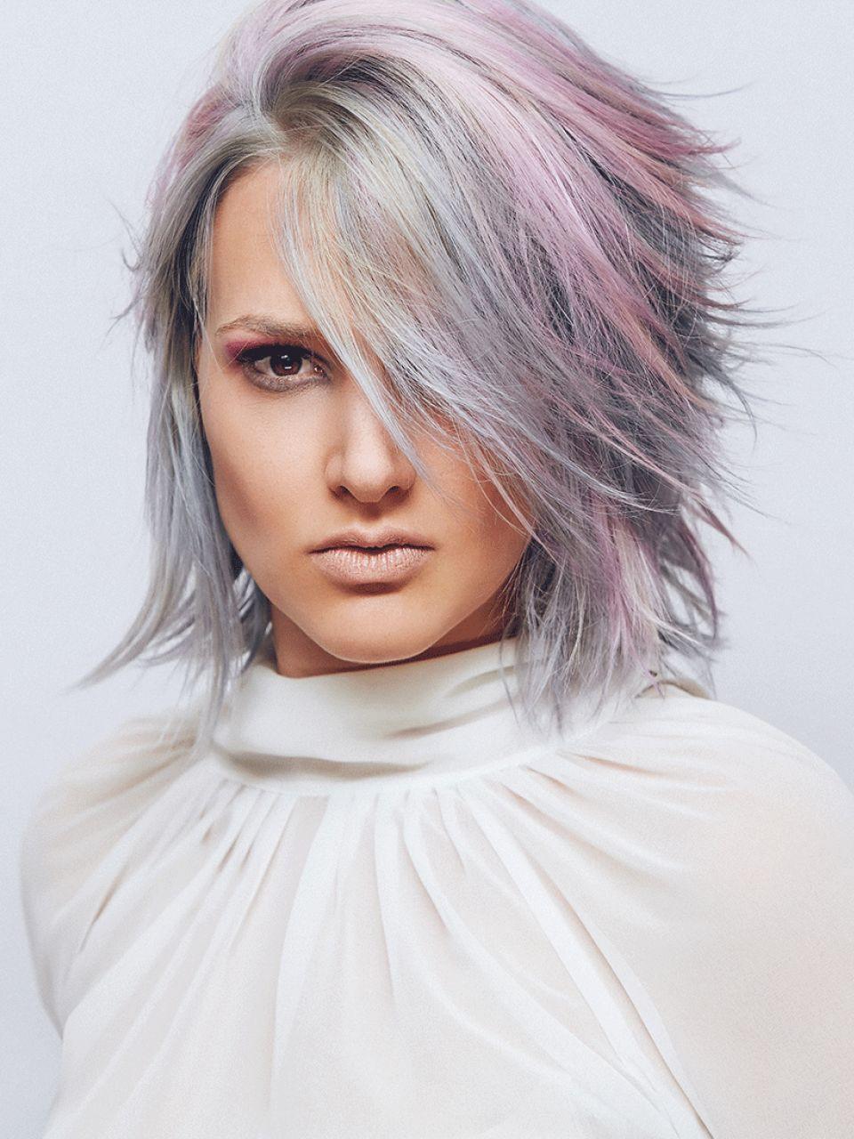 Frisuren Grau  Graue mittellange Haare Damen