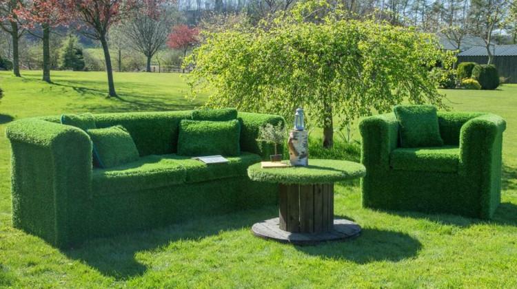 Gartenmöbel Selber Bauen  Grassofa selber bauen Eine Anleitung für originelle