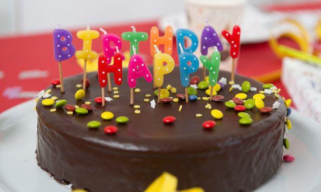 Geburtstagskuchen Kitkat  Geburtstagstorte Smarties Rezepte Schweizer Milch