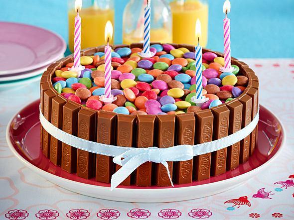 Geburtstagskuchen Kitkat  Geburtstagskuchen Backrezepte für den großen Tag
