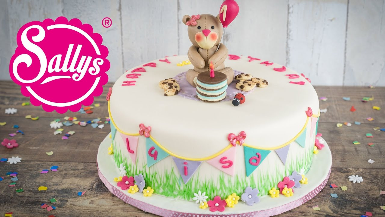 Geburtstagstorte Kinder  Kinder Geburtstagstorte mit Teddy fruchtige Vanilletorte
