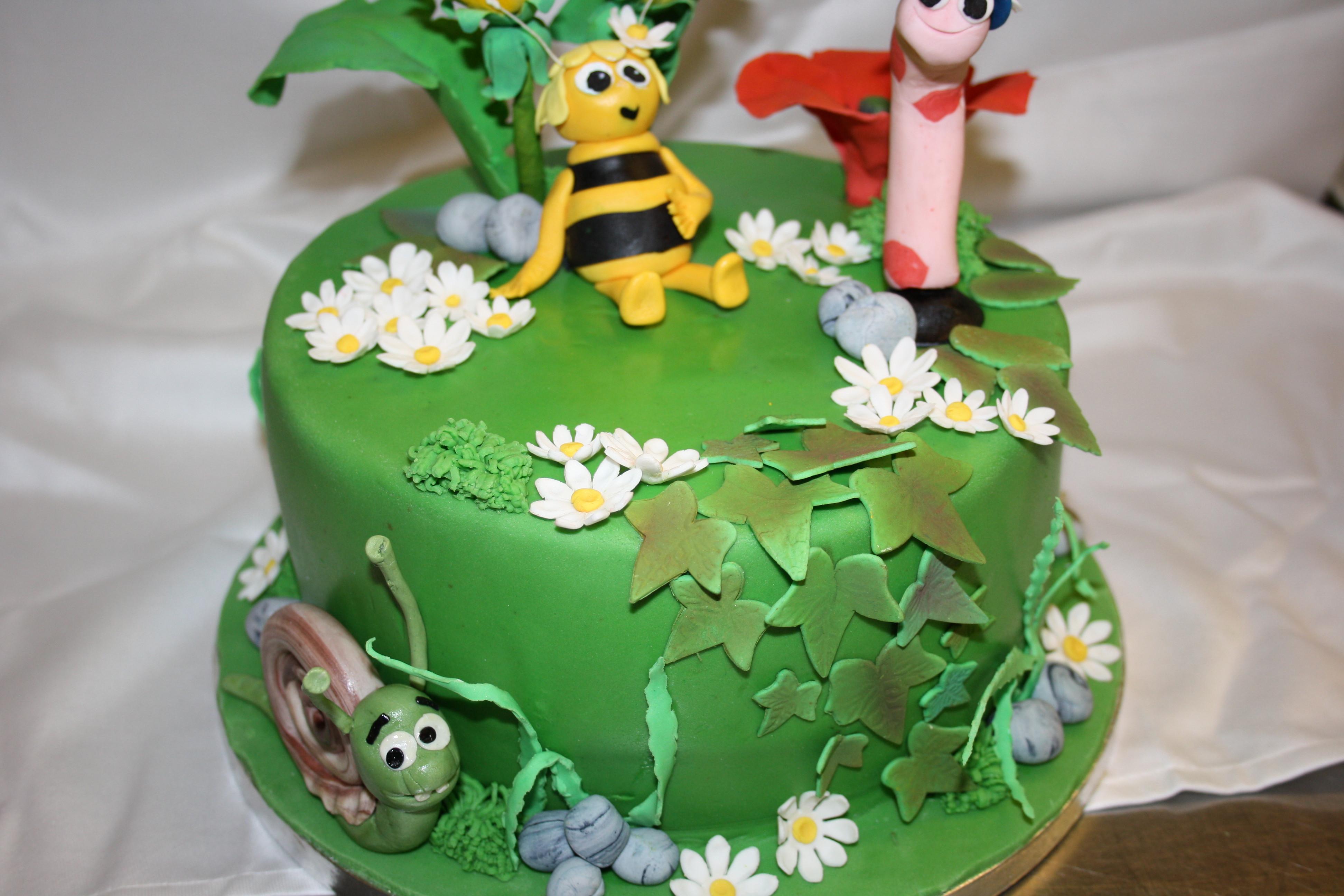 Geburtstagstorte Kinder  Kinder Geburtstagstorte mit Biene Maja und Freunden