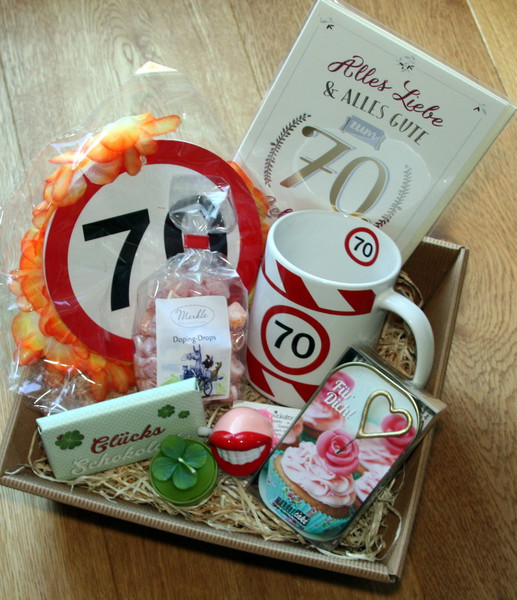 Geschenke Für Frauen Ab 70  Geschenke für Frauen 70 Geburtstag Geschenke Set Frau