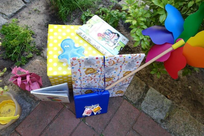 Geschenke Zum Zweiten Geburtstag  2 Geburtstag Geschenke Motto Unterwasser und Kuchen Tipps