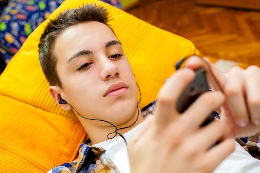 Geschenkideen Für Teenager  Geschenkideen für Teenager In Ear Kopfhörer mit bunten