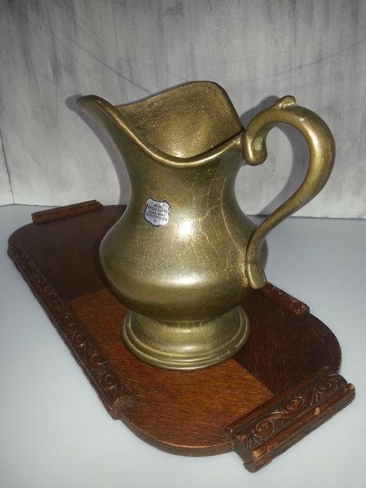 Gilde Handwerk  Gilde handwerk een bronzen kan massief 3 kg daarbij
