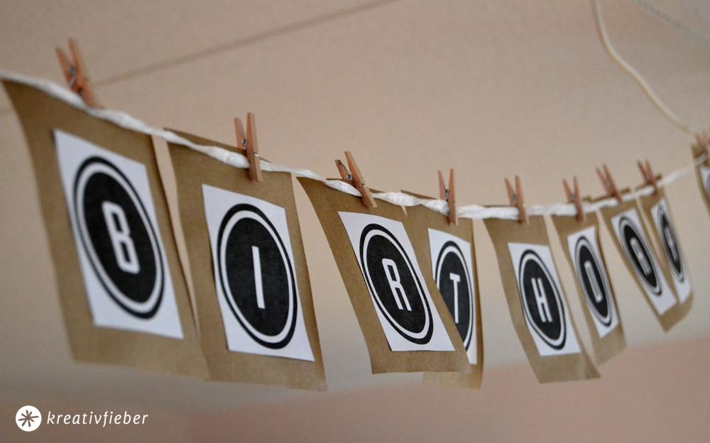 Girlande Diy  DIY Buchstabengirlande Bastelanleitung
