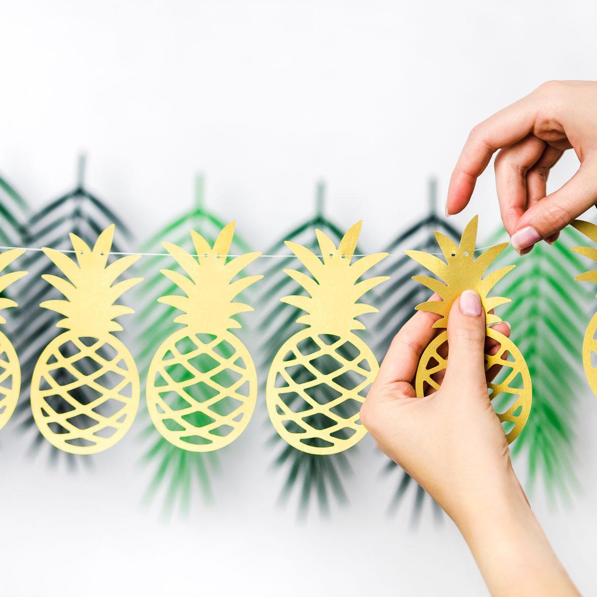 Girlande Diy  Girlande DIY Ananas goldfarbig 10 Anhänger Länge 2m