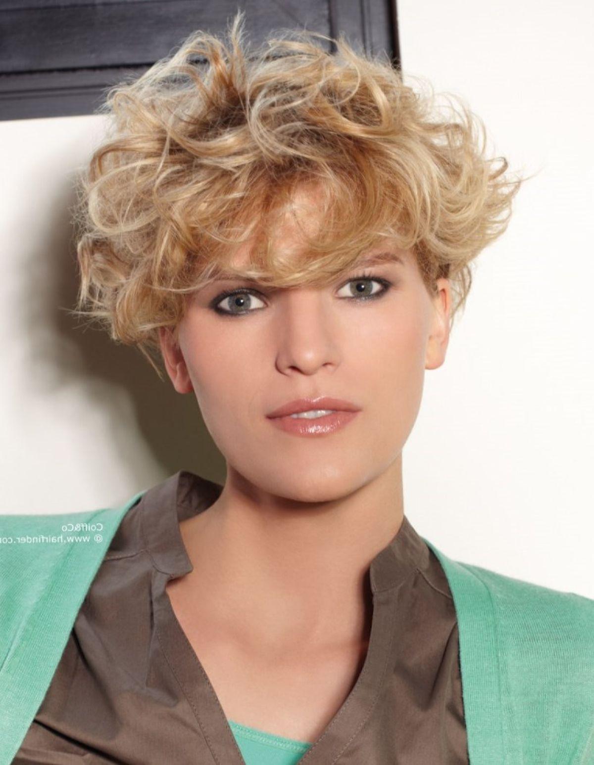 Haarschnitt Für Naturlocken  Frisuren Naturlocken Kurz