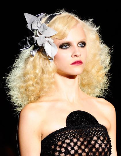Halloween Frisuren  Frisuren für Halloween Düster &