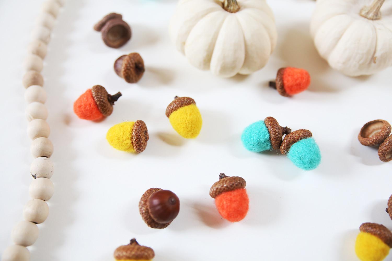 Herbst Diy  DIY Basteln im Herbst Bunte Eicheln filzen