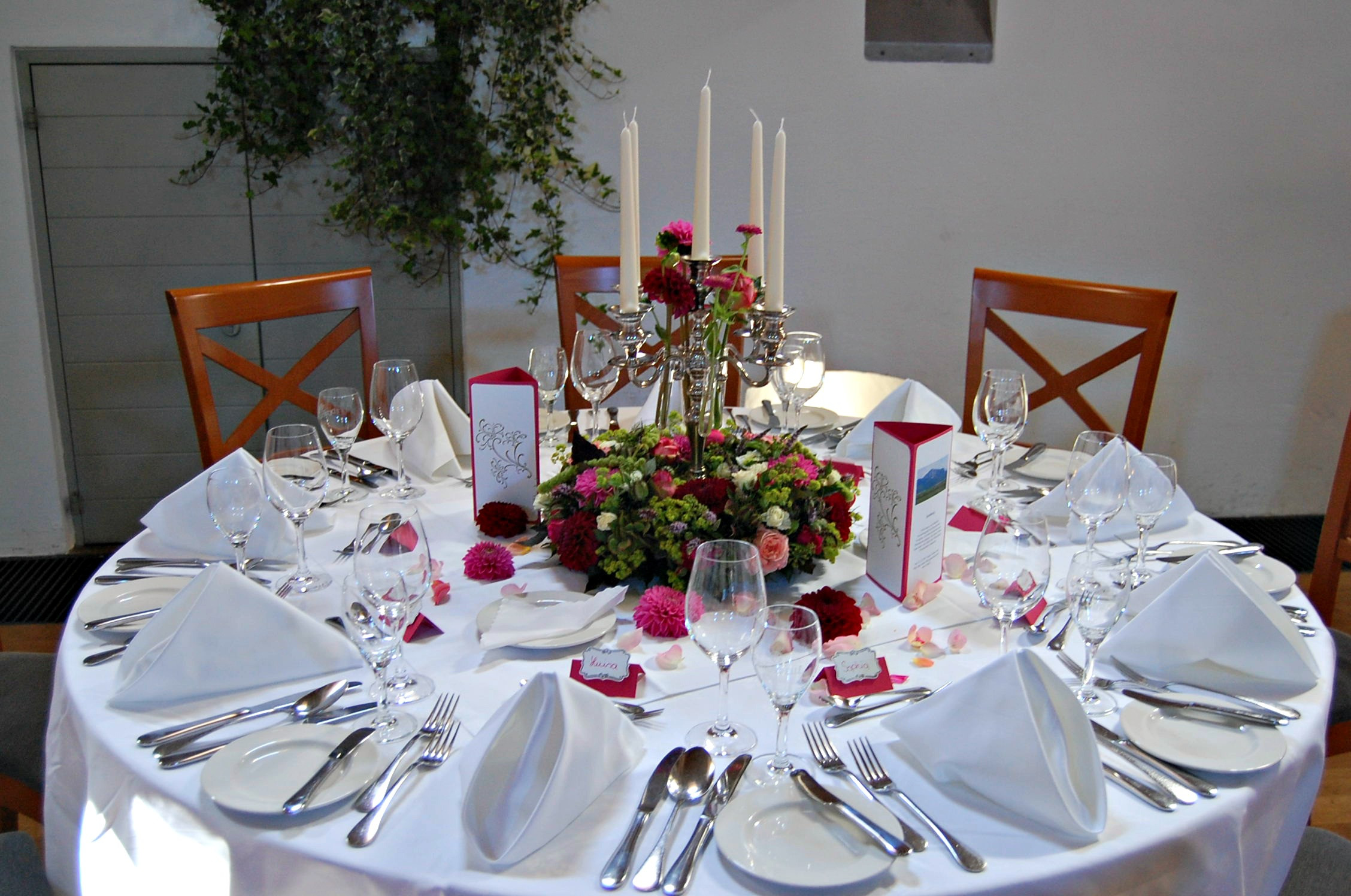 Hochzeit Tisch  Stampin' up Hochzeitspapeterie in Olivgrün und Rosenrot