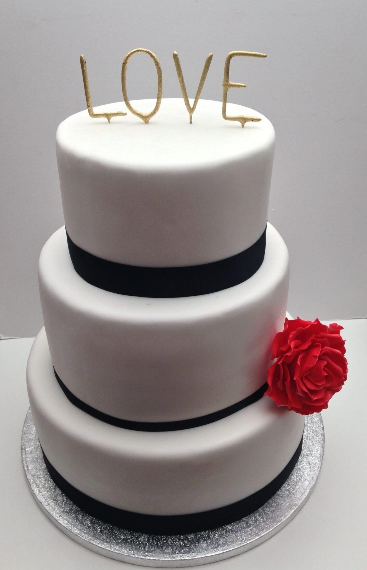 Hochzeitstorte Günstig Online Bestellen  Hochzeitstorte bestellen line Jasi´s Cupcakelädle